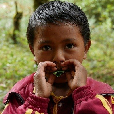 A student of the Ton Memorial School Sailung